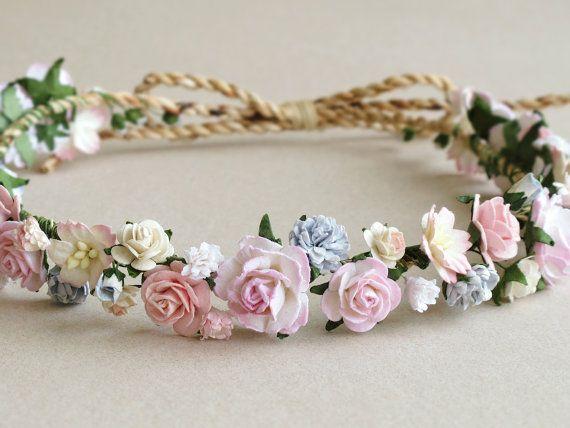Corona de flor rosa tocado de flores de papel por SQUISHnCHIPS