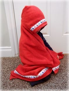Another tutorial on how to make hooded kid/baby towels. Different way to do the hood.