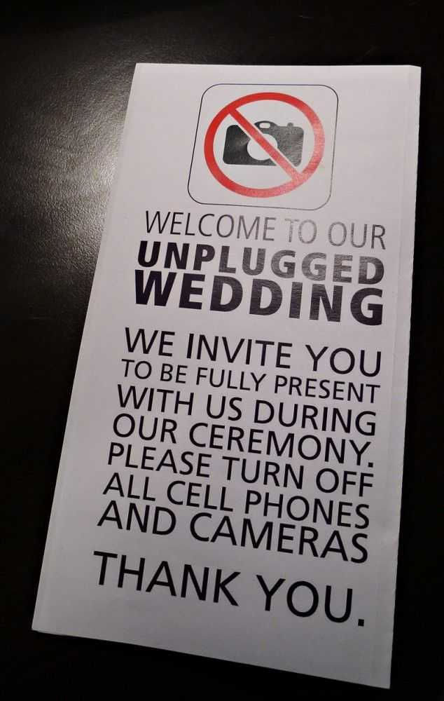 Make your wedding an unplugged wedding :) // Great idea since I want my wedding to be outdoorsy!