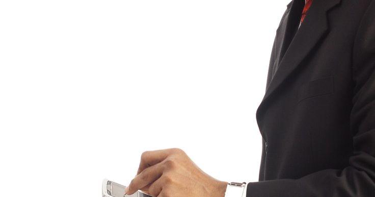 ¿Cómo habilitar mensajes de texto y llamadas en tu iPod Touch?. Puedes obtener mensajes de texto o llamadas en un iPod Touch para hacer o recibir llamadas, y enviar o recibir mensajes de texto cuando el dispositivo está conectado a Internet. Aunque el iPod Touch no tiene la opción de alojamiento de una tarjeta SIM como un iPhone, es posible usar aplicaciones de llamadas y mensajes de texto en el dispositivo ...