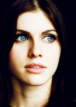 can we pause for a second and appreciate those gorgeous eyes.