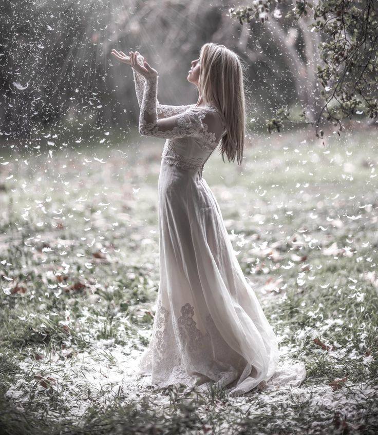 .Magic, Dreams, Beautiful, Wedding Photos, Feathers, The Dresses, Photography, Fairies Tales, Snow White