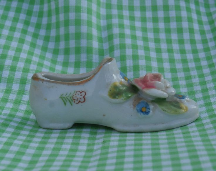 Decorate Shoe Figurine, Miniature Japan Made Porcelain, Hand Painted, Rose on Toe