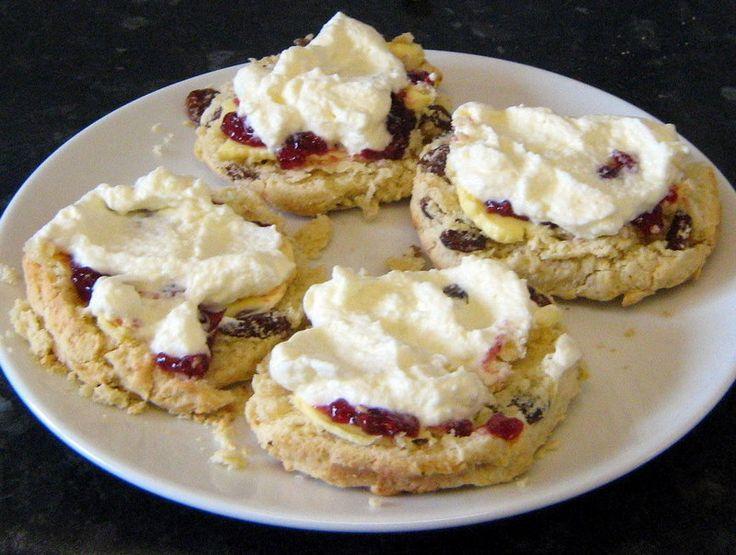 How To Make Homemade Scones Recipe: Step by Step Guide http://viking305.hubpages.com/hub/Recipes-recipe-scones-how-to-make-bake-homemade-step-by-photos-sultana-quick-easy-guide