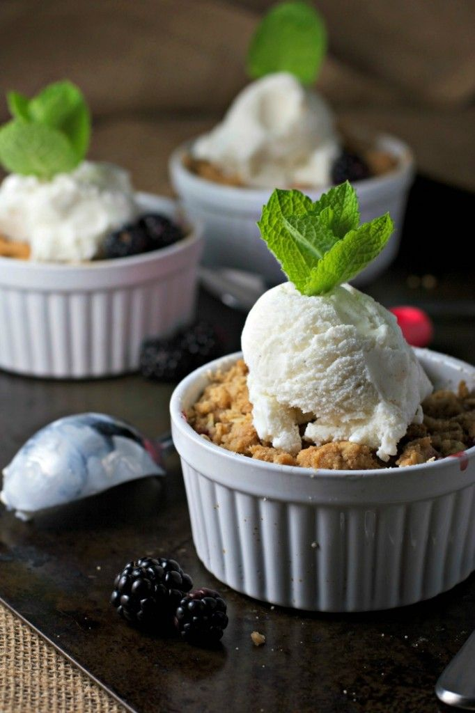 apple blackberry crisp, healthy and delicious!!!