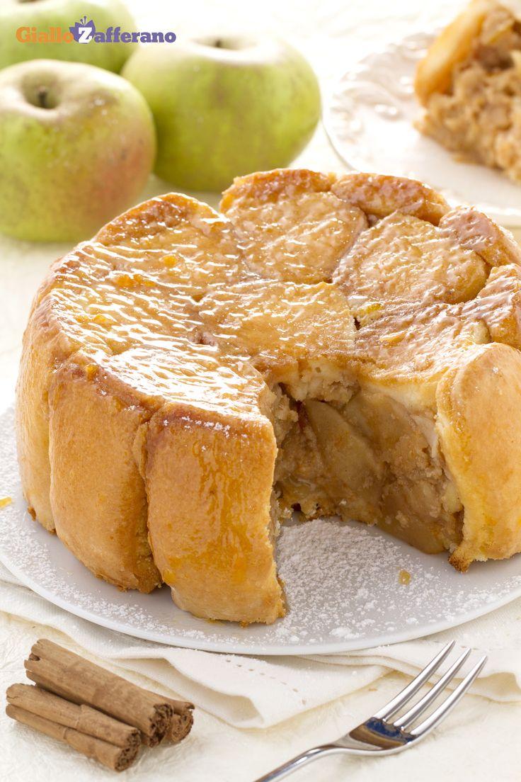 In #autunno, mele e #cannella sono la coppia perfetta! Questa #charlotte di #mele, con il suo profumo di Brandy e cannella, è davvero un'esperienza paradisiaca! #ricetta #GialloZafferano #dessert