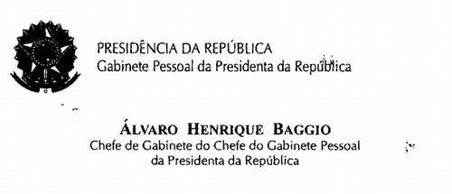 """governo está inchado, e não só por causa dos 39 ministérios. Veja só um dos cargos que existe na hierarquia da nossa República: """"chefe de gabinete do chefe de gabinete"""". Aliás, será que o chefe de gabinete do chefe de gabinete também tem chefe de gabinete? Cartas para a Redação."""