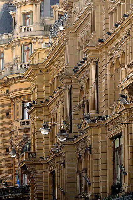 Galerías Pacífico, Avenida Florida, Buenos Aires, Argentina.  Photo: Sigfrid Lopez via Flickr.