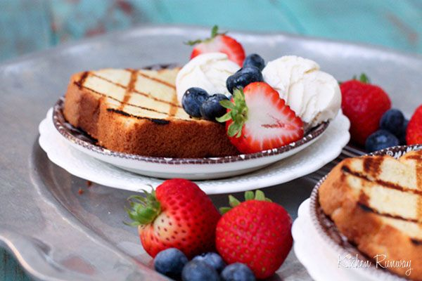 Grilled Pound Cake with Ice Cream and Berries: Pound Cakes, Yummy Desserts, Sweet, Grilled Poundcake, Grilled Pound Cake, Cupcakes Recipes, Ice Cream, Cream Recipe, Berries