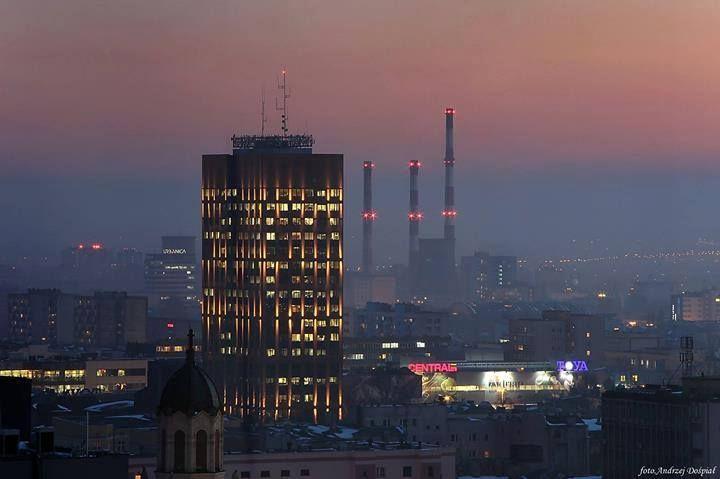 Mega klimatyczna Łódź po zmroku!  Fot. Andrzej Dospial