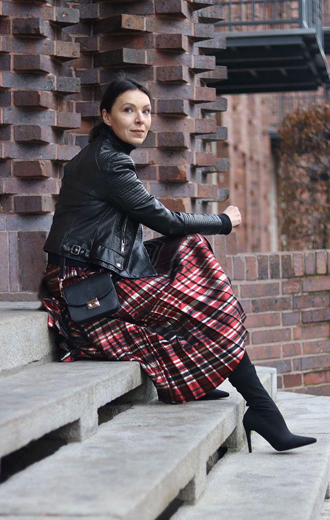 https://minimalissmo.blogspot.com/ #zara #skirt #look #chic #glamour