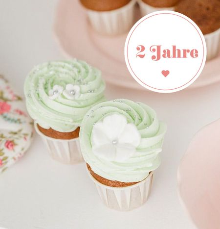 Seafoam colored cupcakes