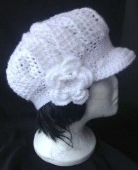 Boina de crochet con flor Boina para mujer con una flor estilo vintage..