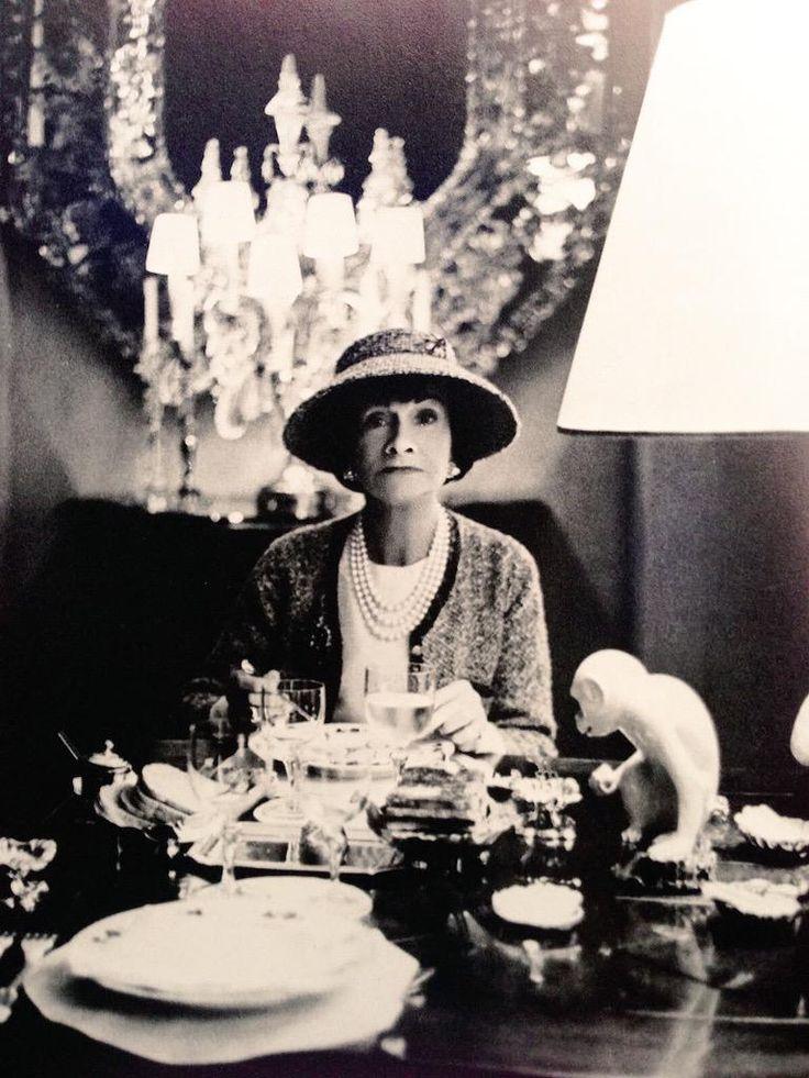 Coco Chanel (1963, by Horst P. Horst) #CocoChanel Visit espritdegabrielle.com | L'héritage de Coco Chanel #espritdegabrielle