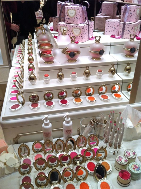 Laduree makeup line in Japan Laduree makeup, Cute makeup