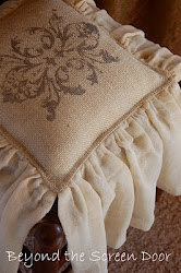 Make someDecor Ideas, Crafts Ideas, Chairs Cushions, Burlap Crafts, Burlap Pillows, Antiques Chairs, Screens Doors, Chairs Covers, Screen Doors