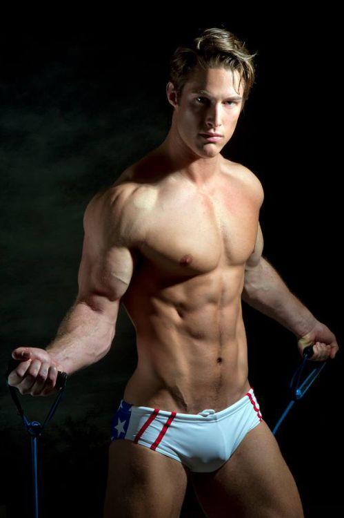 xxx muscular interracial gay
