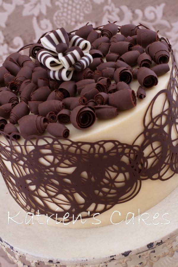 Awesome milk tart cake by Katriens Cakes. http://www.katrienscakes.co.za/recipes/milk-tart-cake.html