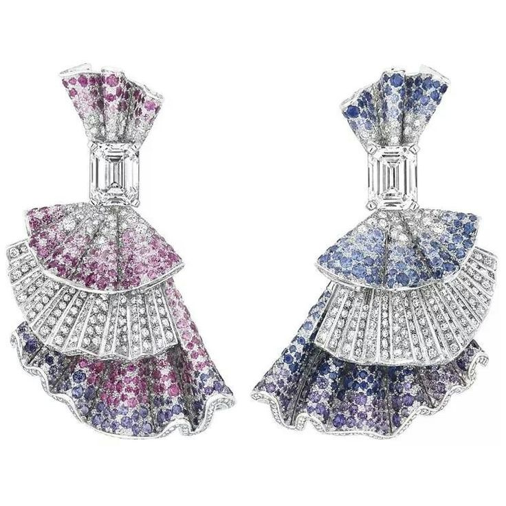 A Dior #eargasm coming up with these beautifully crafted earrings…