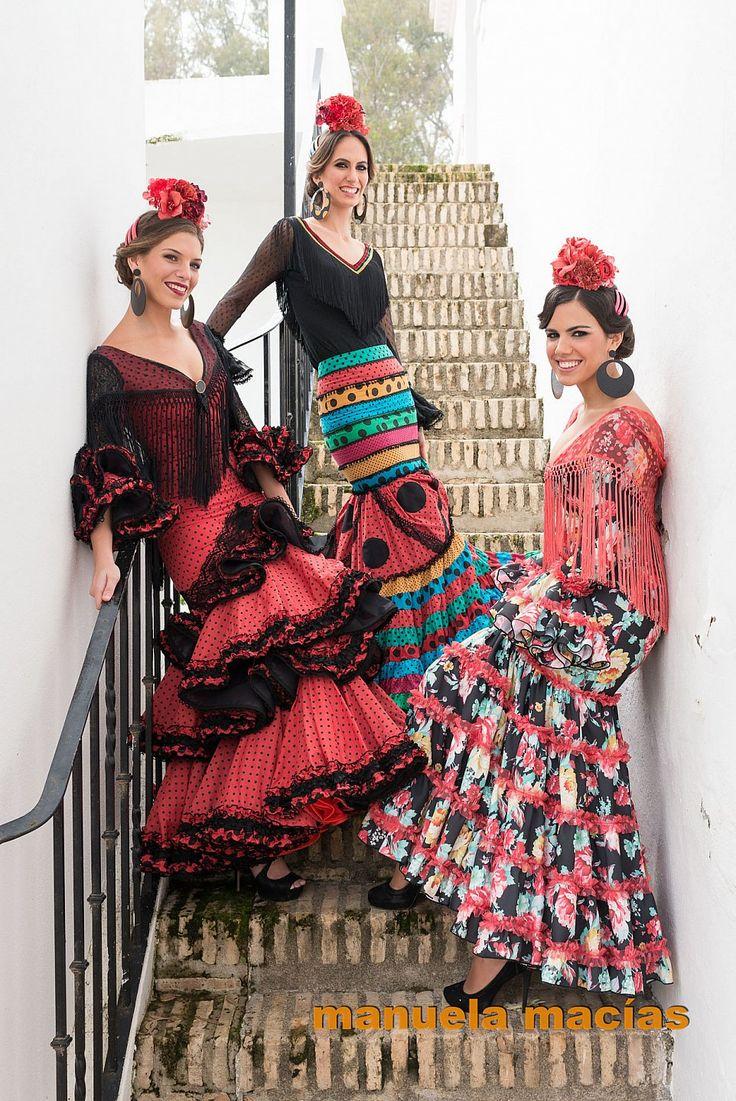 Colección de trajes de flamenca 2015 - Manuela Macías. Moda Flamenca. Trío a escoger.