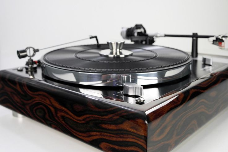 Thorens-TD145-MK-II-Plattenspieler-Designerstueck-
