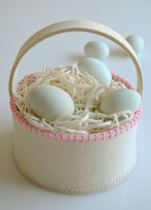DIY Super Simple Felt Easter Basket from the Purl Bee