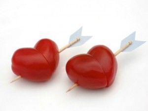 Süße Idee Partytomaten Herzchen. Noch mehr Ideen gibt es auf www.Spaaz.de