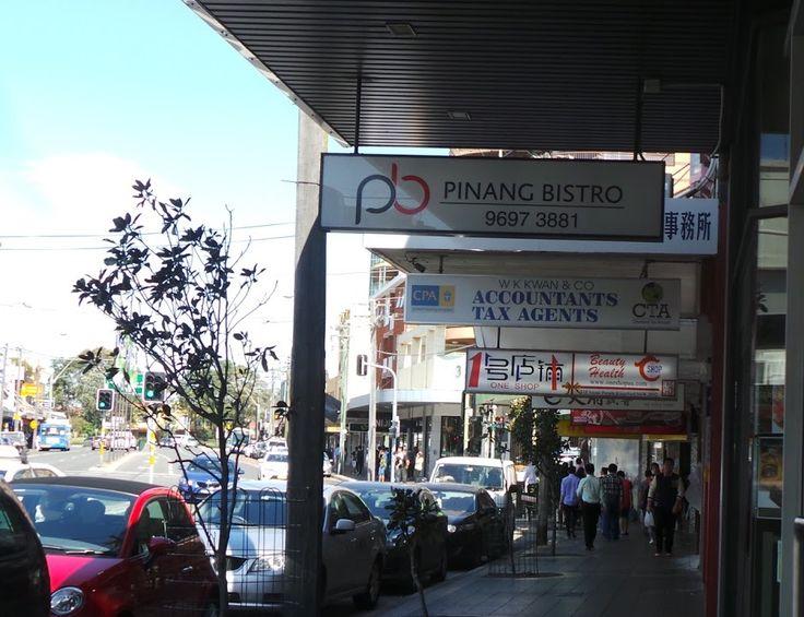 Di jalan di kawasan Sydney ini terdapat banyak restoran yang menyajikan makanan khas Indonesia. (Foto; Hany Koesumawardani)