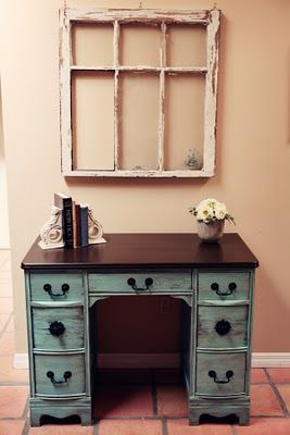 Distressed painted furniture a good looking and easy to make - Best 20 Old Desk Redo Ideas On Pinterest Old Desks