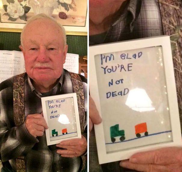 Ártatlan ajándékok gyerekektől | Fotó via boredpanda.com