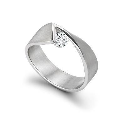 Y2k ring in platinum with 0.25ct diamond by Vincent van Hees