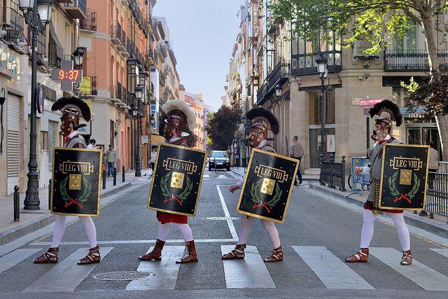 Semana Santa de Zaragoza. Abbey Road de la Guardia Romana | Flickr