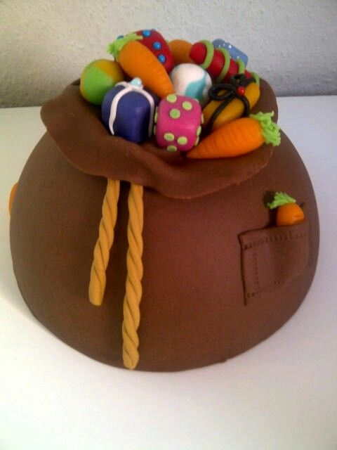 De zak van Sinterklaas taart / bag full of toys cake
