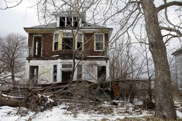 In March, a bankruptcy expert was brought in to assess Detroit's severe financial crisis.   16 Eerie And Heartbreaking Photos Of Detroit's Decline