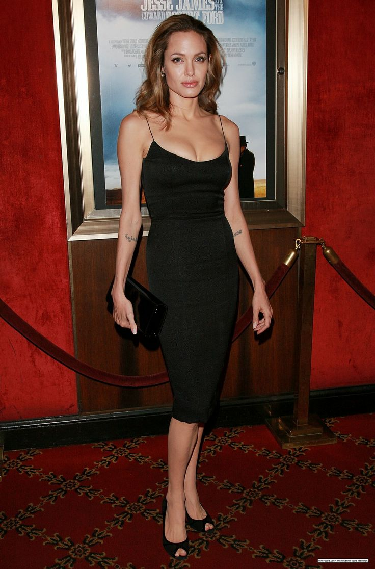 """Angelina Jolie - """"The Assassination of Jesse James by the Coward Robert Ford"""" @ Ziegfeld Theater, NYC, September 2007"""