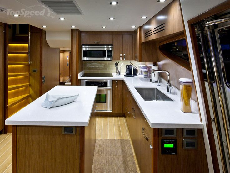 2014 Hatteras 80 Motor Yacht picture - doc558628
