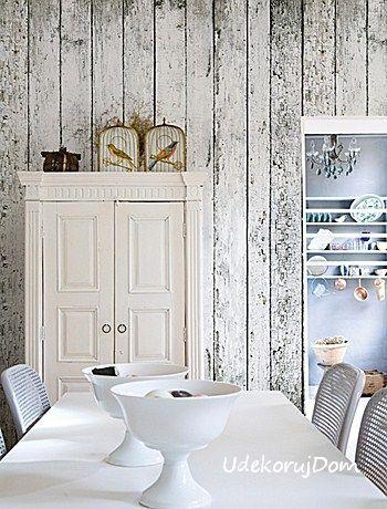 Efekt postarzanych desek w jadalni. Wall&Deco.
