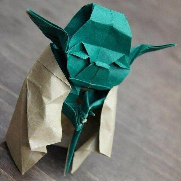 Star Wars Origami Faltanleitung. Für alle Star Wars Fans ist diese Anleitung hier. Schauen Sie an und probieren Sie selbst falten.