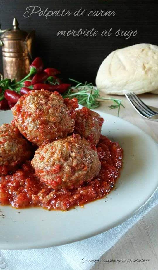 Le polpette di carne morbide al sugo sono semplicemente irresistibili!! http://blog.giallozafferano.it/cucinareconamoreetradizi/polpette-di-carne-morbide-al-sugo/ #food #foodblog #gialloblogs #cucinareconamoreetradizione #foodporn #recipes #foodpornshare #foodie