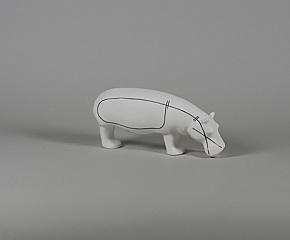 """Figurka porcelanowa """"Hipopotam - Siła Spokoju"""", czarno-biała Ćmielów Pottery"""