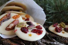 Mendiants au chocolat blanc, cranberry, pistache & Co