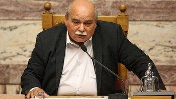 """Ο Βούτσης """"δείχνει"""" το υπουργείο Οικονομικών για τη μείωση της εισφοράς αλληλεγγύης που πληρώνουν πολιτικά πρόσωπα   Δεν είναι σκανδαλώδης ρύθμιση δεν ζητήθηκε ποτέ από την Βουλή κάτι τέτοιο δήλωσε ο πρόεδρος της Βουλής Νίκος Βούτσης ... from ΡΟΗ ΕΙΔΗΣΕΩΝ enikos.gr http://ift.tt/2lY2crr ΡΟΗ ΕΙΔΗΣΕΩΝ enikos.gr"""