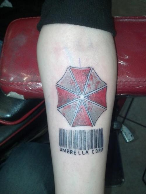 resident evil tattoo done by aaron bowholtz in bakersfield ca resident evil pinterest. Black Bedroom Furniture Sets. Home Design Ideas