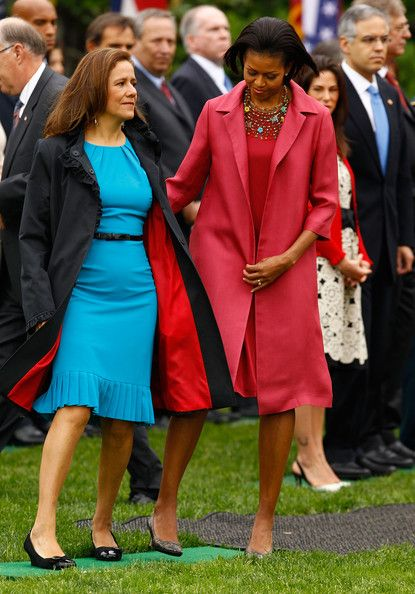 First Llady Michelle Obama (in Calvin Klein) and Mexican first lady Margarita Zavala take their places during a welcoming ceremony on the South Lawn of the White House May 19, 2010 in Washington, DC: Calvin Klein, White Houses, South Lawn, Michele Obama, Mexicans Presidents, First Lady, Margaritas Zavala, Obama Photo, Lady Margaritas