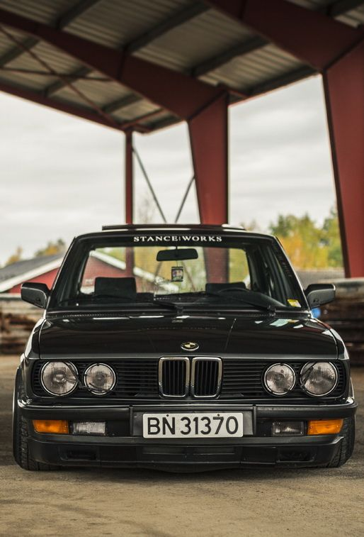 BMW 520i e28