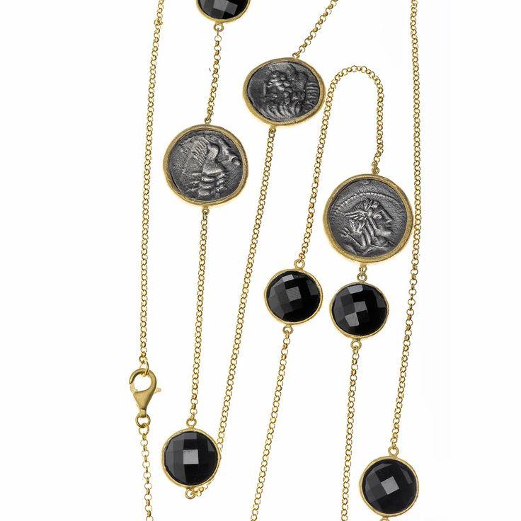 Collares largos de cadena fina y piedras ovaladas. Ver más coleccion en www.salvatore.es