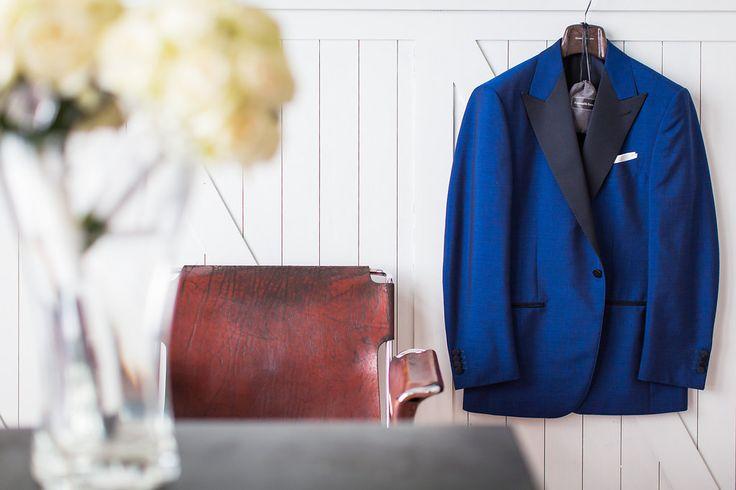 Ganz im Trend für 2016 : eine blaue Anzugjacke