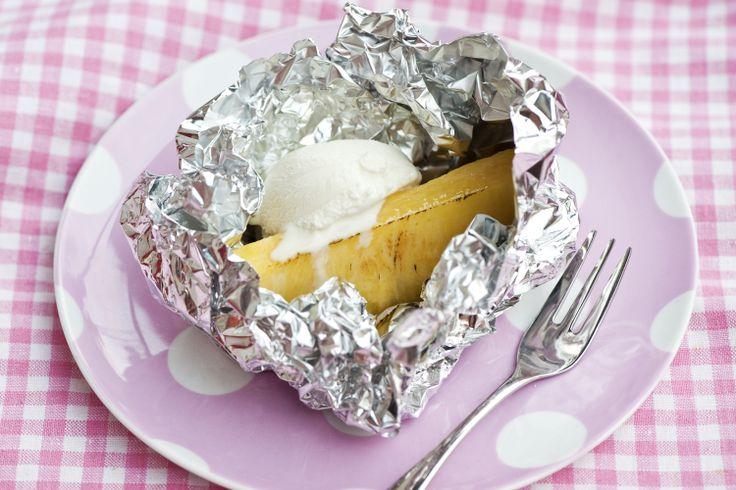 Grillattu ananas ja viileän valloittava vaniljajäätelö ovat vastustamaton makupari! Katso helppo ohje: http://www.dansukker.fi/fi/resepteja/grillattua-ananasta-ja-vaniljajaateloa.aspx #ananas #jaatelo #kesa #herkku #maistuu