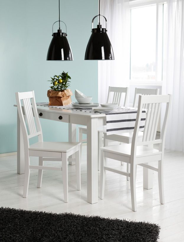 Kodin1, ruokailutila, Anno Hilja -riippuvalaisin, Anno Kaiho -astiat, Hymni-tuolit.