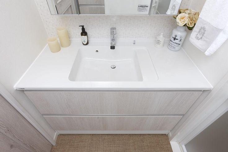 ボール一体型洗面台は、お掃除がし易く便利。